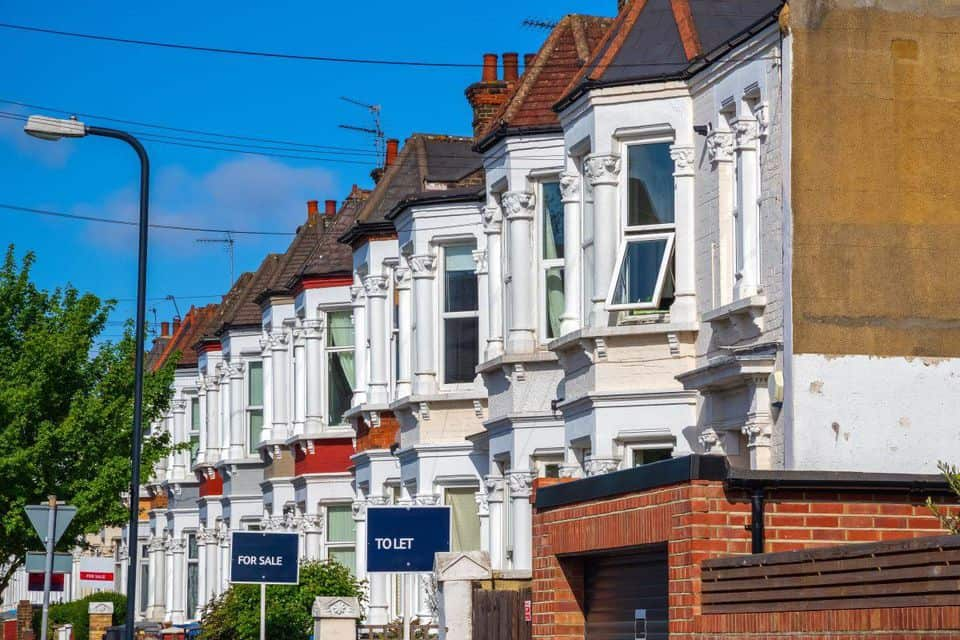 Is-Brexit-really-challenging-the-UK-property-market