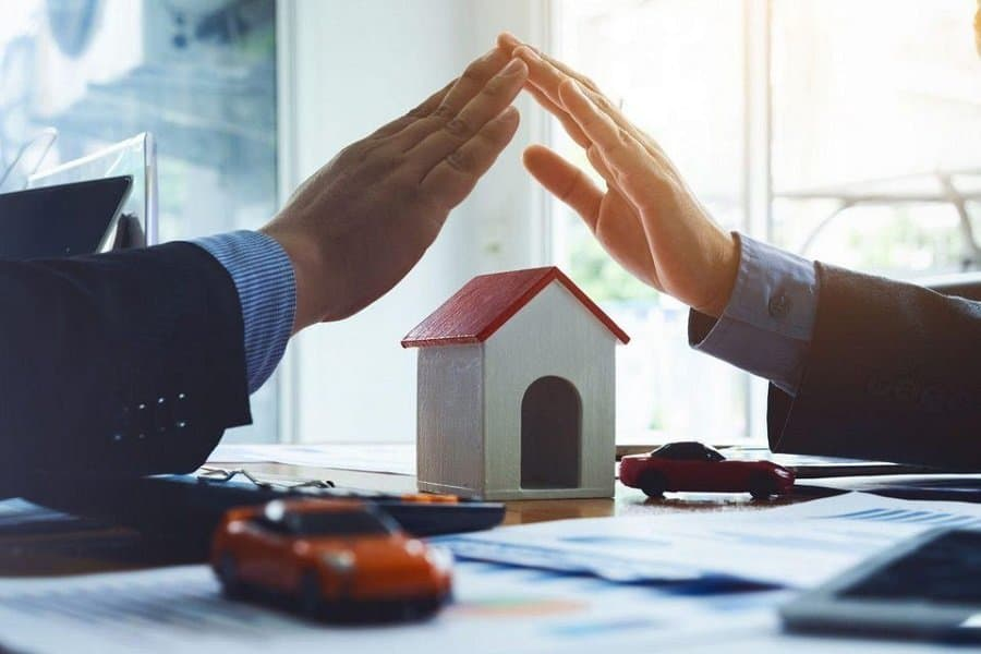 What can the UK government do to support estate agents