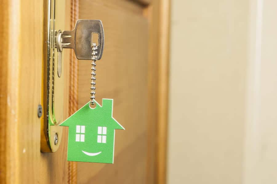 4 WAYS TO KEEP YOUR LANDLORDS HAPPY AND WIN MORE INSTRUCTIONS-min